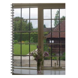 La visión desde el diario de la ventana de Jane Spiral Notebook