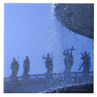 la vista de la fuente que cae riega cerca de santo teja