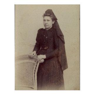 La viuda joven postales