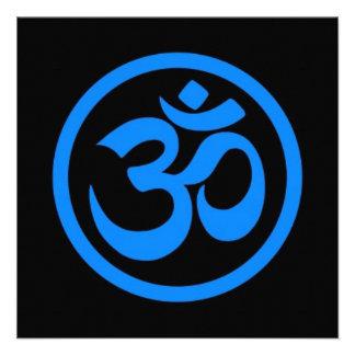 La yoga azul y negra OM circunda Comunicado