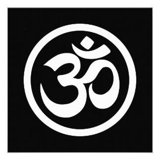 La yoga blanca y negra OM circunda Invitacion Personalizada