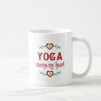 La yoga calienta mi corazón taza
