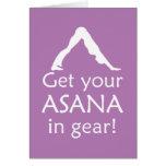 La yoga consigue su Asana en engranaje Felicitaciones