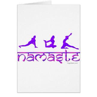 La yoga de Namaste plantea púrpura Felicitación