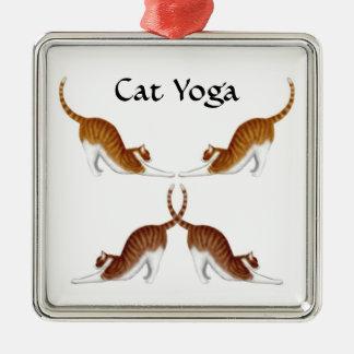 La yoga del gato presenta el ornamento adorno navideño cuadrado de metal
