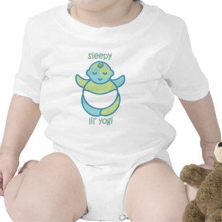 La yoga habla al bebé: Yogui soñolienta de Lil Camiseta