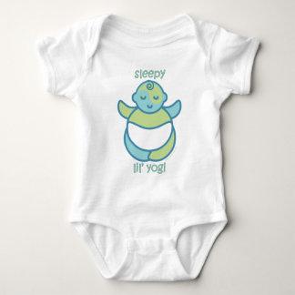 La yoga habla al bebé: Yogui soñolienta de Lil Playera