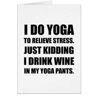 La yoga jadea el vino tarjeta pequeña