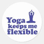 La yoga me mantiene flexible etiquetas redondas