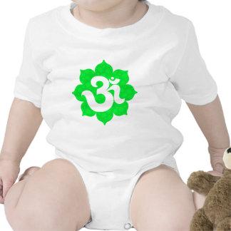 La yoga OM en Lotus se pone verde Traje De Bebé