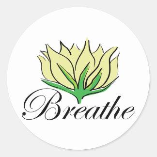 La yoga respira pegatina redonda