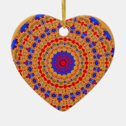 Laberinto anaranjado azul adorno navideño de cerámica en forma de corazón