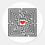 Laberinto - corazón pegatinas redondas