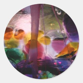 Laberinto de cristal coloreado múltiplo pegatina redonda