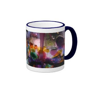 Laberinto de cristal coloreado múltiplo taza a dos colores
