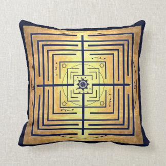 Laberinto del conocimiento del azul y del oro cojin