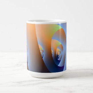 Laberinto en taza anaranjada y azul