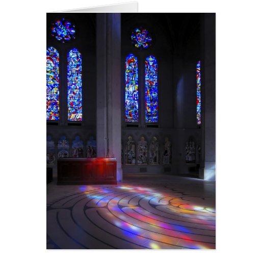 Laberinto que camina de la catedral de la toleranc tarjeta de felicitación