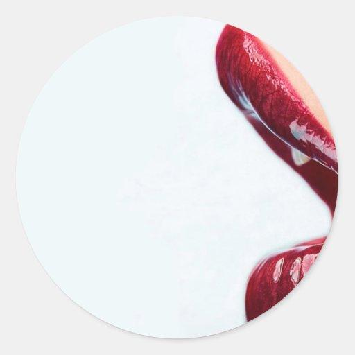 Labios brillantes del chica abstracto pegatina redonda