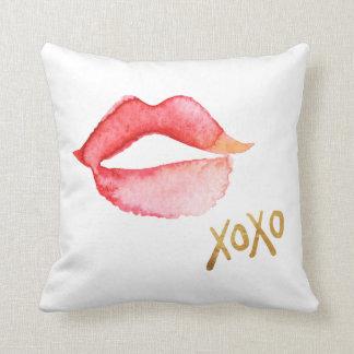 Labios de la acuarela y hoja de oro XOXO Cojín Decorativo