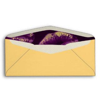 Labios descarados de la vainilla púrpura sobres