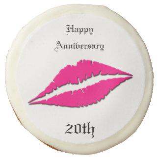 Labios felices del rosa del aniversario