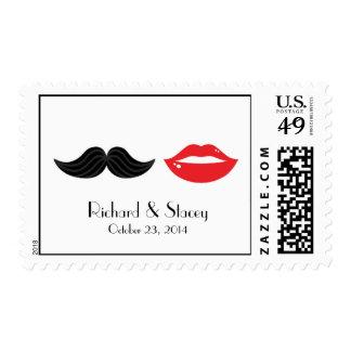 Labios y franqueo del boda del bigote sellos postales
