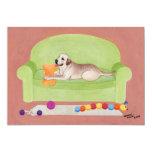 """Labrador amarillo en el sofá verde invitación 5"""" x 7"""""""