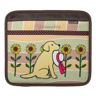 Labrador amarillo personalizado con los girasoles funda para iPads