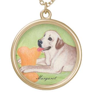 Labrador amarillo personalizado en el sofá verde pendiente personalizado