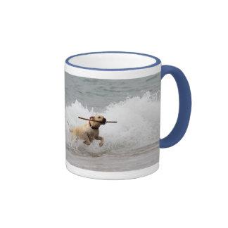 ¡Labrador - amarillo - vaya búsqueda! Tazas De Café