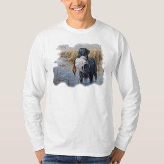 Labrador con la caza del pato del pato remeras