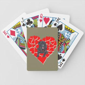 Labrador en su cubierta del corazón baraja cartas de poker