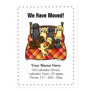 Labrador persigue el dibujo animado que mueve Anno Tarjetas Postales