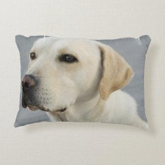 Labrador retriever amarillo cojín decorativo