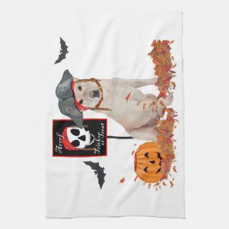 Labrador retriever amarillo Halloween Toallas
