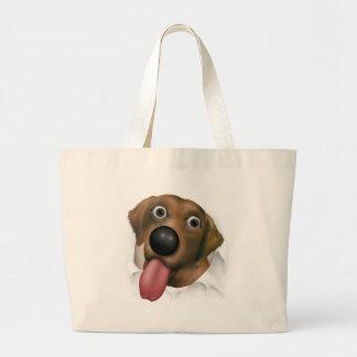 Labrador retriever (chocolate) que revienta hacia  bolsa tela grande
