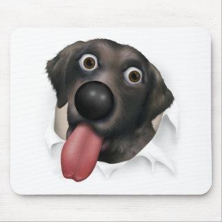 Labrador retriever (negro) que revienta hacia fuer alfombrillas de ratón