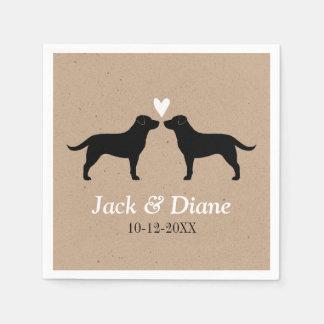 Labradores retrieveres que casan pares con el servilleta desechable