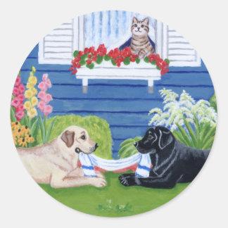 Labradors en la pintura del jardín etiquetas redondas