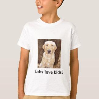 Labs love kids! T-Shirt