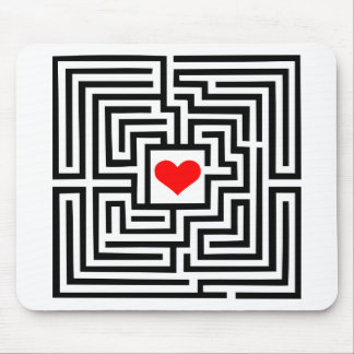 Labyrinth - Heart Mouse Pad