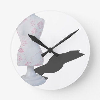 LaceOnDressForm010415.png Round Clock