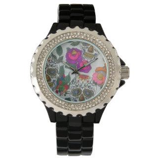 Ladies clock with skulls logo wrist watch