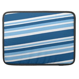 lado azul stripes.png de la hiedra funda macbook pro