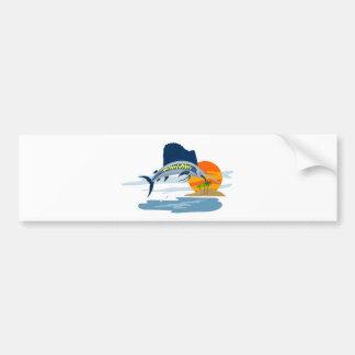 lado de salto del pez volador con la isla y el sol etiqueta de parachoque