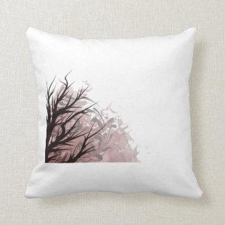 Lado izquierdo floral púrpura del árbol almohadas