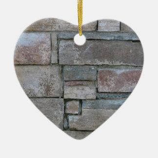 Ladrillo para el albañil o la capa de ladrillo adorno navideño de cerámica en forma de corazón