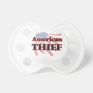 Ladrón americano chupete de bebe