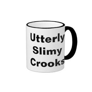 Ladrones completamente fangosos tazas de café